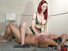 Sklave beim Bondage Sex gequält
